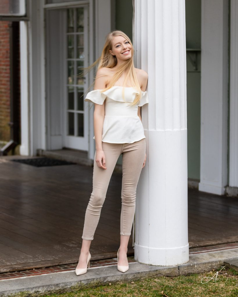 all beige monochromatic look neutral style