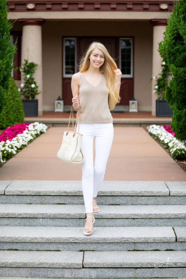 knit tank white jeans summer style
